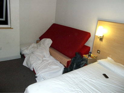ESM's no expense spared accomodation for Wednesday night in lovely, lovely Luton.