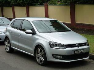 800px-2010-2011_Volkswagen_Polo_(6R)_77TSI_Comfortline_5-door_hatchback_(2011-11-18)_01