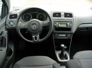 800px-VW_Polo_V_1.2_Comfortline_Pepper_Grey_Interieur