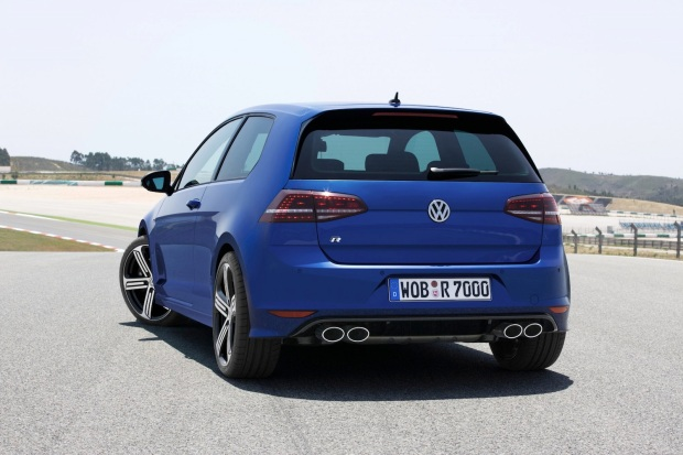 2014 VW Golf R 002