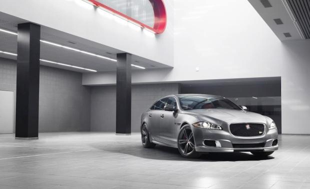 Jaguar XJR 001