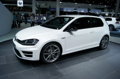 Previewed on ESM weeks ago, the 300 bhp Golf R looks good in white on these optional wheels