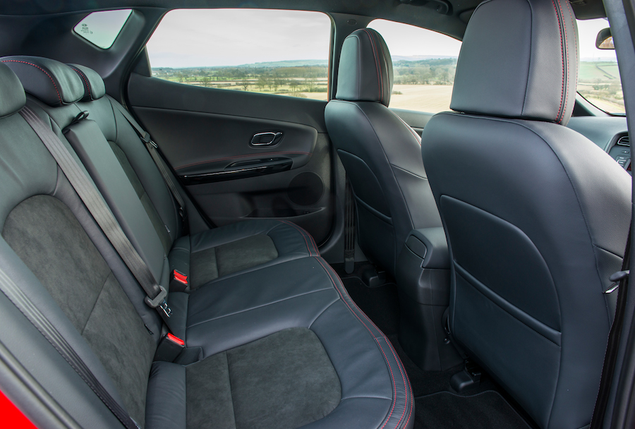 2014 Kia Cee'd GT Interior 006