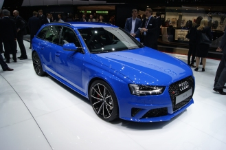 Retro throwback - Audi RS4 Avant Nogaro Blue