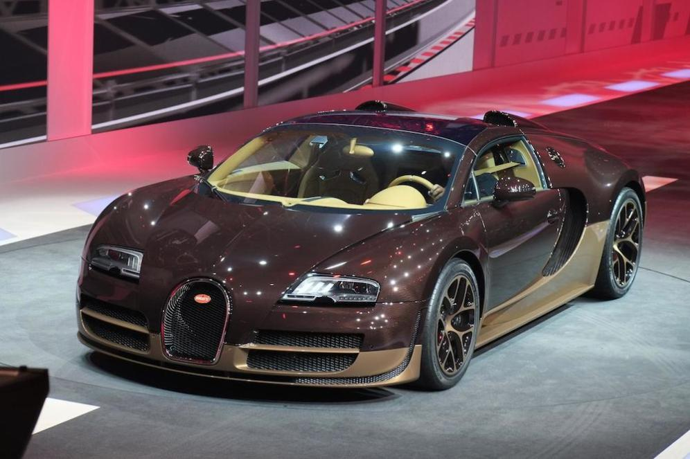 Two shades of brown on one Bugatti