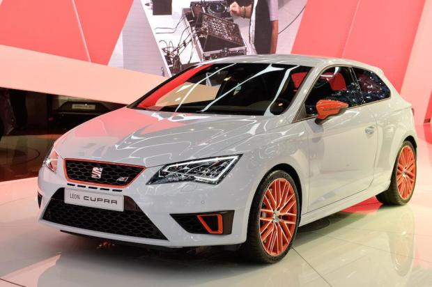 Record breaking SEAT Leon Cupra made its debut