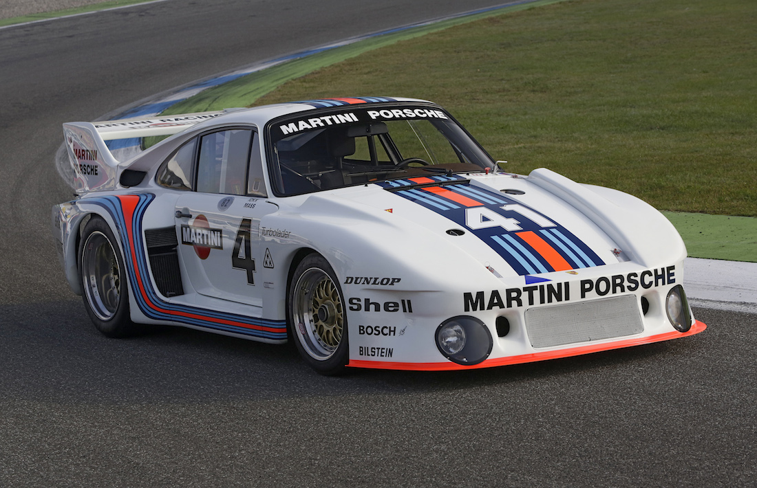 porsche 911 martini racing edition details and photos. Black Bedroom Furniture Sets. Home Design Ideas