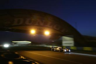 #3 Audi passes under iconic Dunlop bridge
