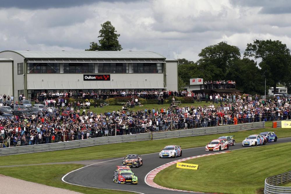 2014 BTCC Oulton Park 01
