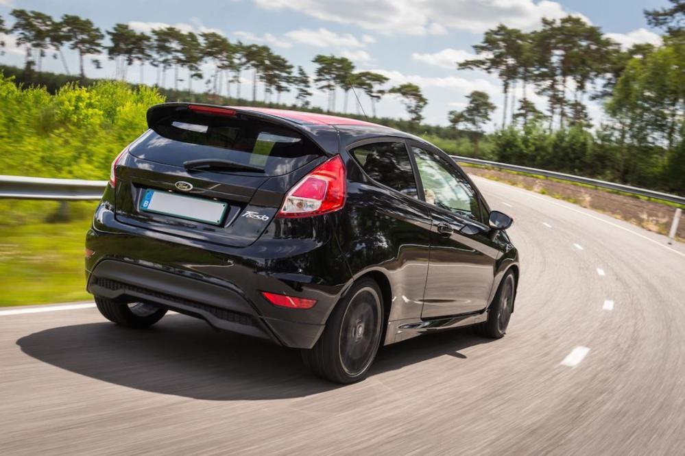 2014 Ford Fiesta Zetec S Black Edition 002