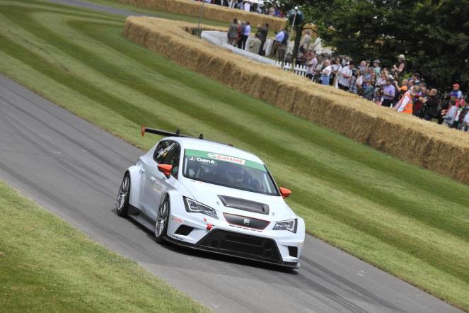 SEAT Leon Eurocup race car