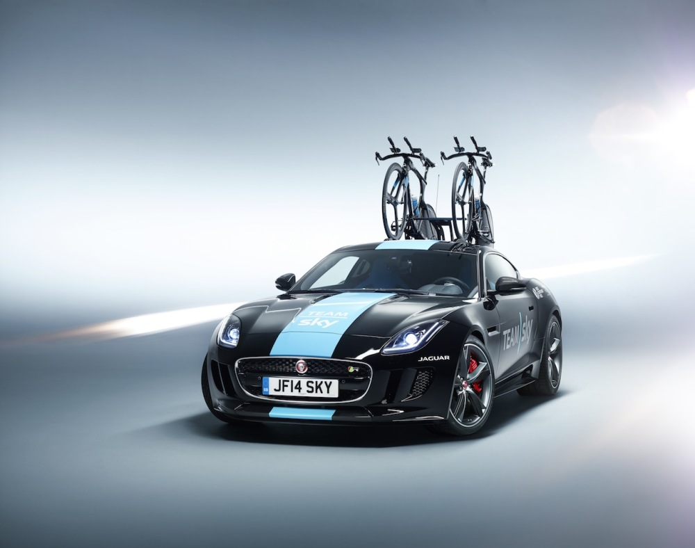 2014 Jaguar F-Type R Team Sky S20C 01