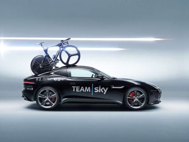 2014 Jaguar F-Type R Team Sky S20C 02