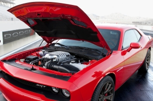 Feeds the 6.2 litre supercharged HEMI