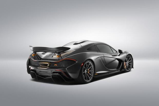 2014 Pebble Beach McLaren P1 002
