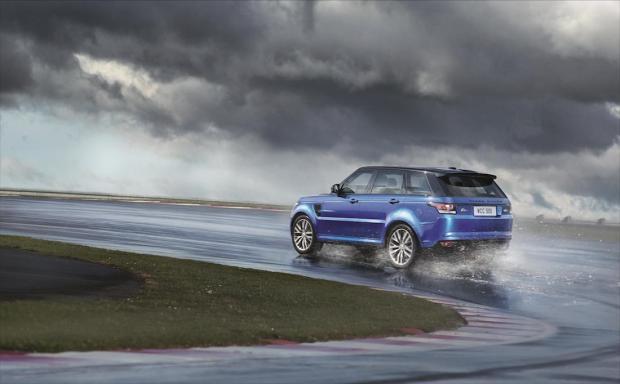 2015 Range Rover Sport SVR 002