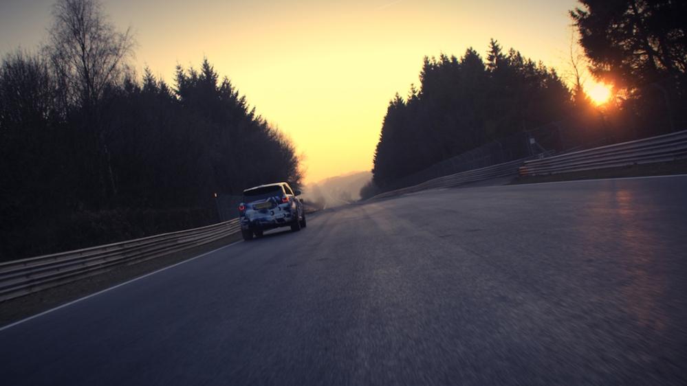2015 Range Rover Sport SVR 02