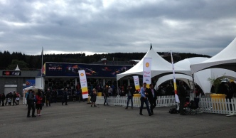The F1 Fan Village = Merchandise