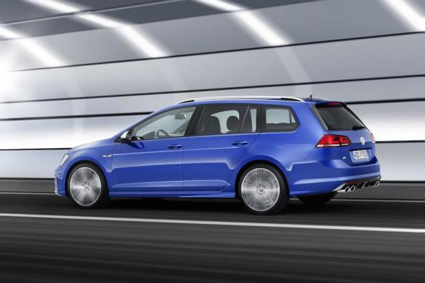 2015 Volkswagen Golf R Estate 004