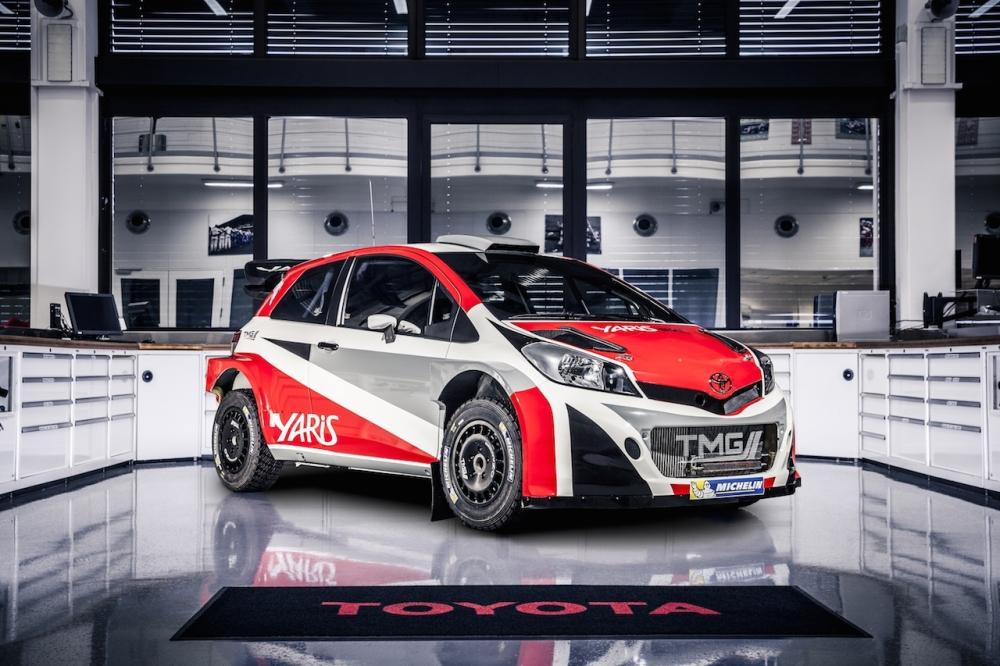 Toyota Yaris WRC 001