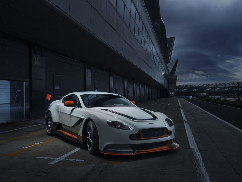 2015 Aston Martin V12 Vantage GT3_001