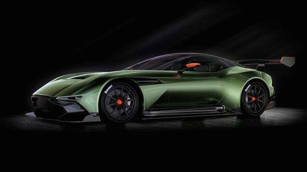 015 Aston Martin Vulcan_01