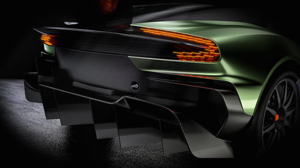 2015 Aston Martin Vulcan_04
