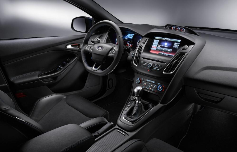 2015 Ford Focus RS Interior 006