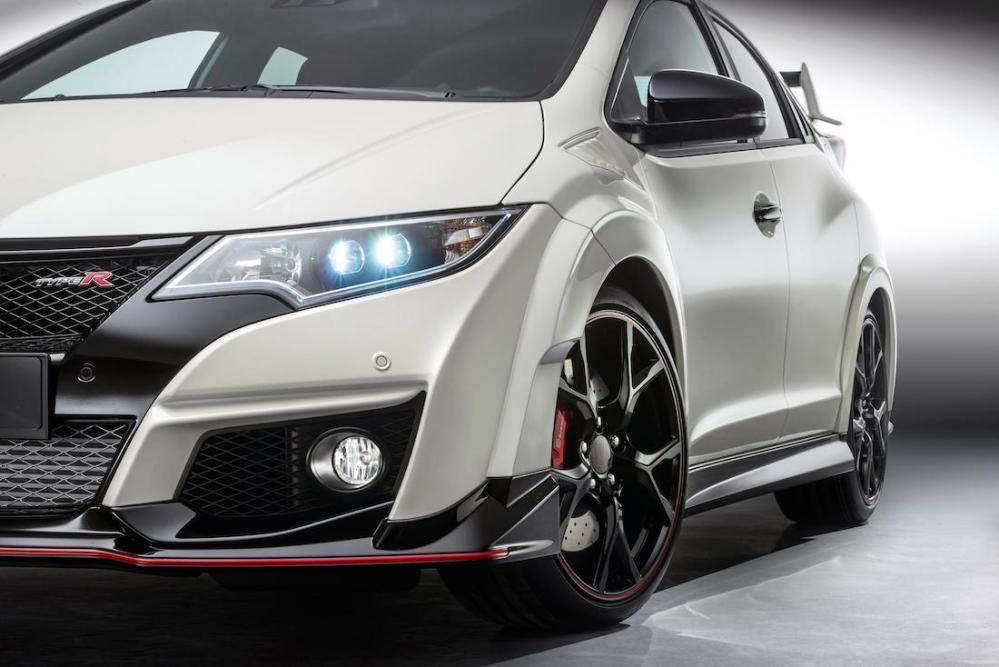 2015 Honda Civic Type R Production 000