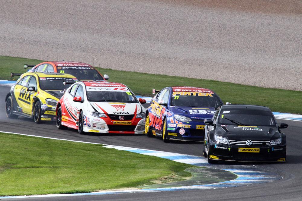2015 BTCC Donington Park Race 2 004