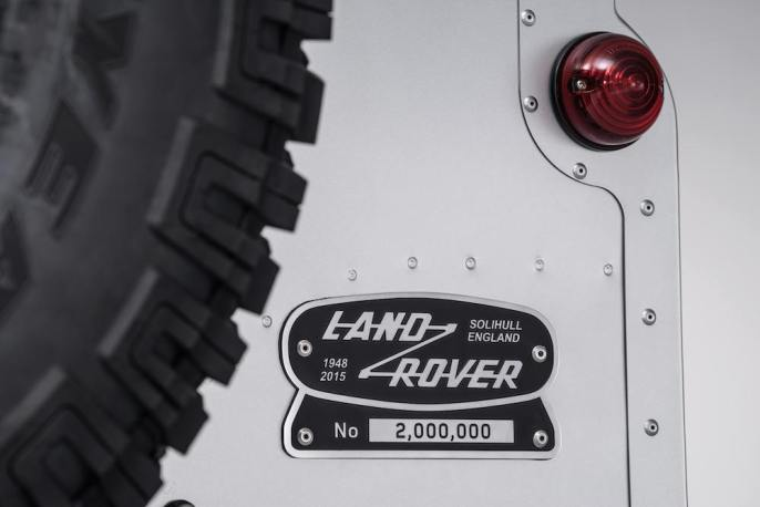 2015 Land Rover Defender 2M Edition 007