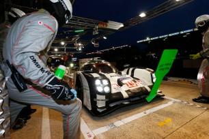 2015 Le Mans Porsche 919 Race 004