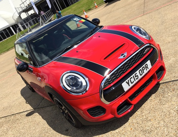 2015 MINI Hatch John Cooper Works 001