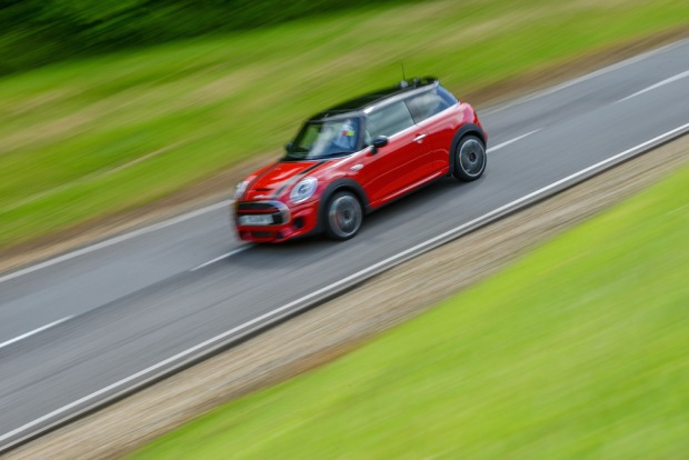 (C) SMMT 2015 MINI Hatch John Cooper Works 008