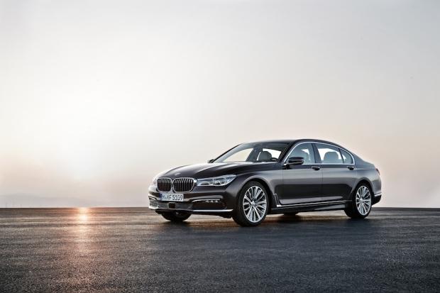 2016 BMW 7 Series G11-G12 001