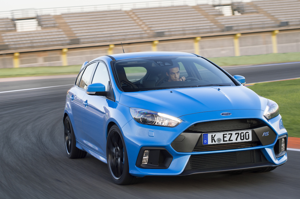five ways the hyundai i30 turbo beats the new ford focus. Black Bedroom Furniture Sets. Home Design Ideas