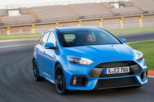 2016 Ford Focus Rs vs 001