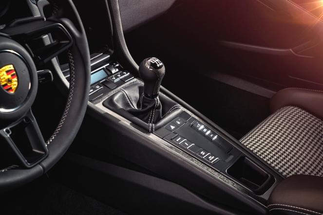 2016 Porsche 911 R Interior
