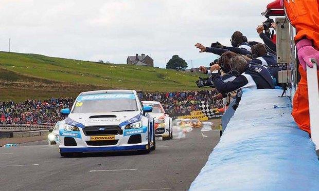 2016 BTCC Knockhill (C) Subaru UK