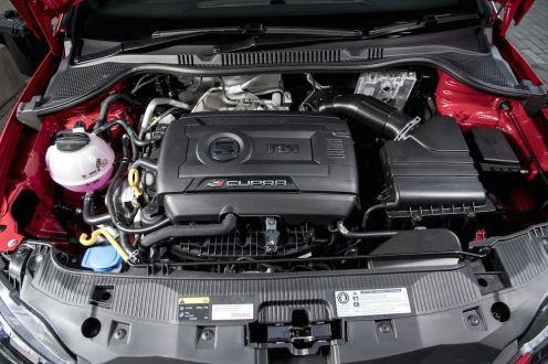 SEAT Ibiza Cupra vs VW Polo GTI