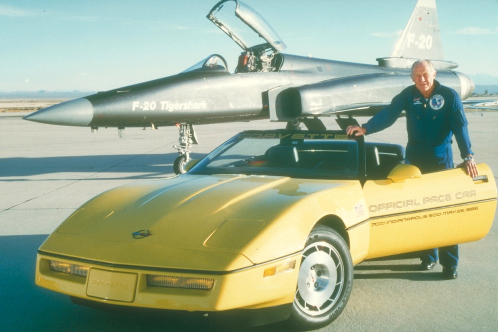 Corvette Indy 500 Pace Car (C) Chevrolet