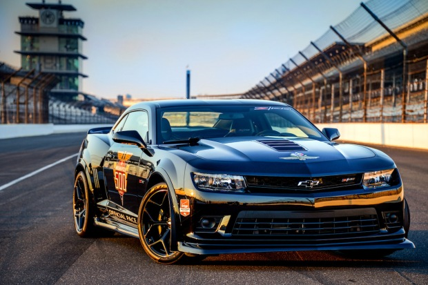 2014 Chevrolet Camaro Z/28 Indy 500 Pace Car (C) Chevrolet