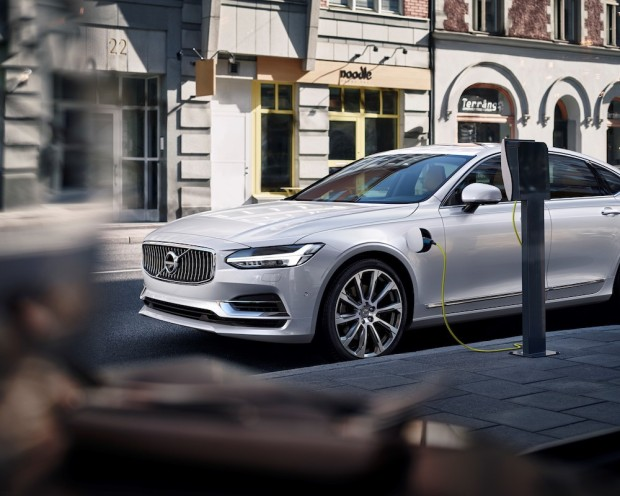 Volvo S90 T8 Twin-Engine