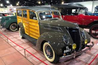 1937 Ford V8 Deluxe 'Woody'